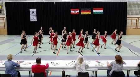 JUNIOREN - IIG Korneuburg - AP - Moderne Guppenformation 12-15 mit Hebefiguren - 1 Runde (26)